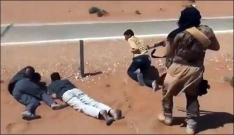 داعش تقتل عددا كبيرا من عناصر النصرة والحر في الرقة+فيديو